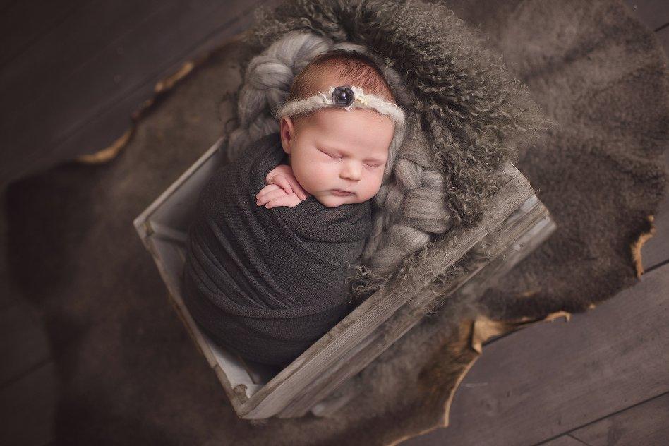 Sweet Baby V Newborn Petite Swaddled Session